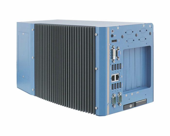 Nuvo-8108GC-XL: Industrietaugliche Edge-KI-Plattform mit Unterstützung für NVIDIA® RTX 30-GPU und für Intel® Xeon® E- oder 8./9.-Gen Core™-CPUs - side